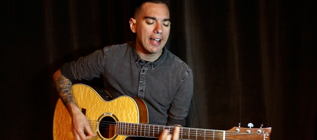 "Anti-Flag perform acoustic rendition of ""Bring Out Your Dead"" & cover ""Ingrid Bergman"" by Billy Bragg"